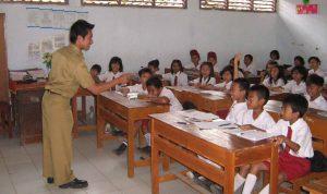 Mengajar-Anak-SD